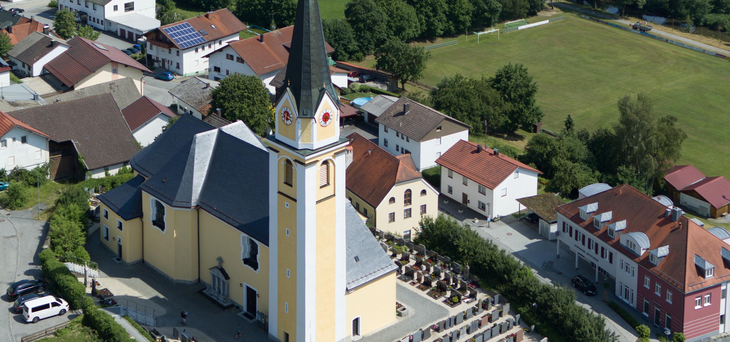 Außenrenovierung Pfarrkirche Aicha v. W.